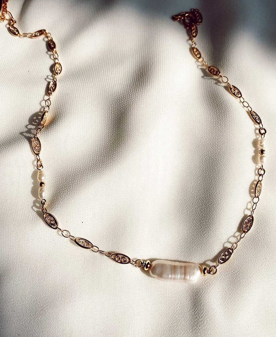 שרשרת צ'וקר כסף 925 בציפוי זהב בשילוב פנינה