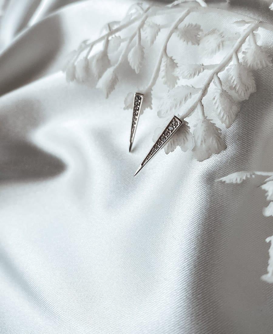 זוג עגילי כסף 925 בשילוב זרקונים לבנים