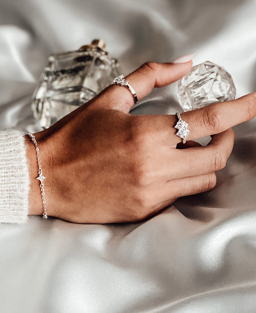 טבעת דיאנה בשילוב זרקונים