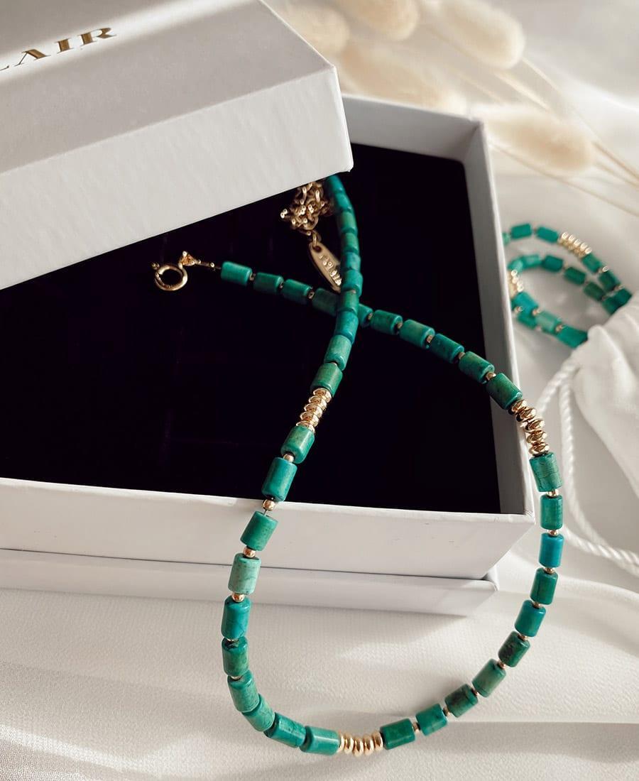 שרשרת עשויה אבני טורקיז בשילוב חרוזי גולדפילד ואלמנטים