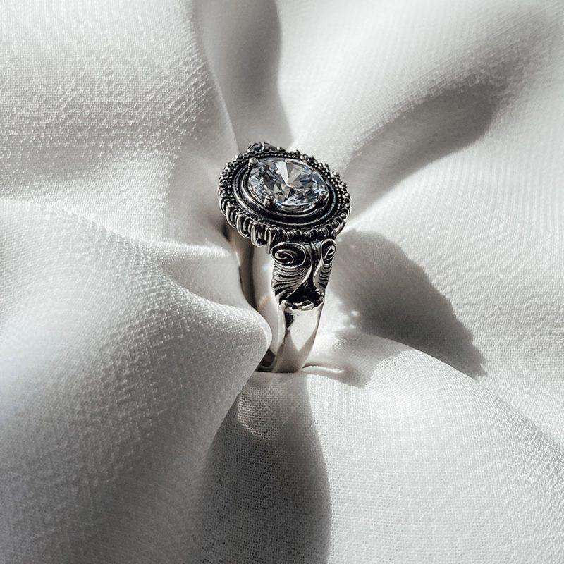 טבעת כסף עם זירקון לבן