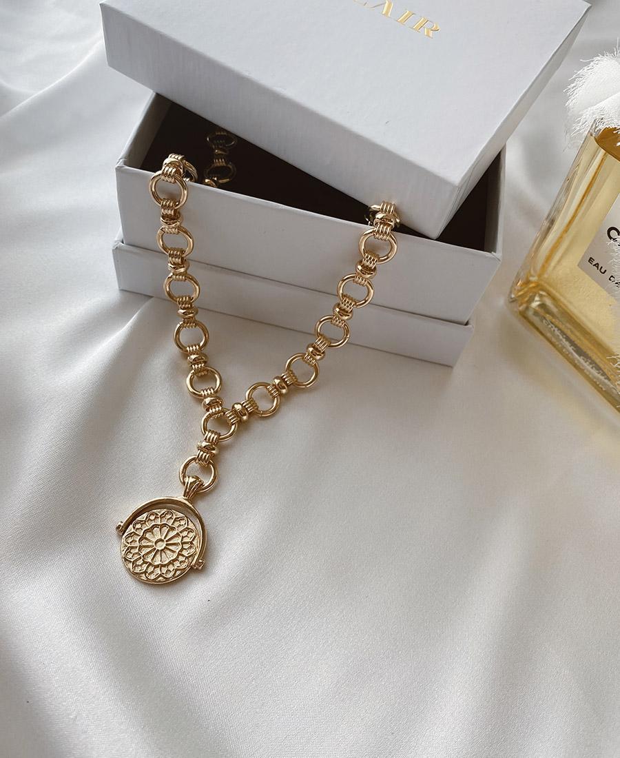 שרשרת גורמט זהב עם תיליון על הקופסא