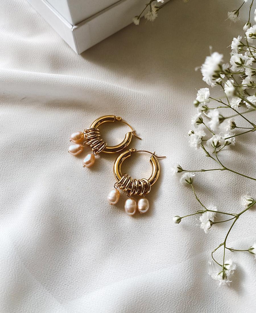 זוג עגילי פיץ' מצופים זהב