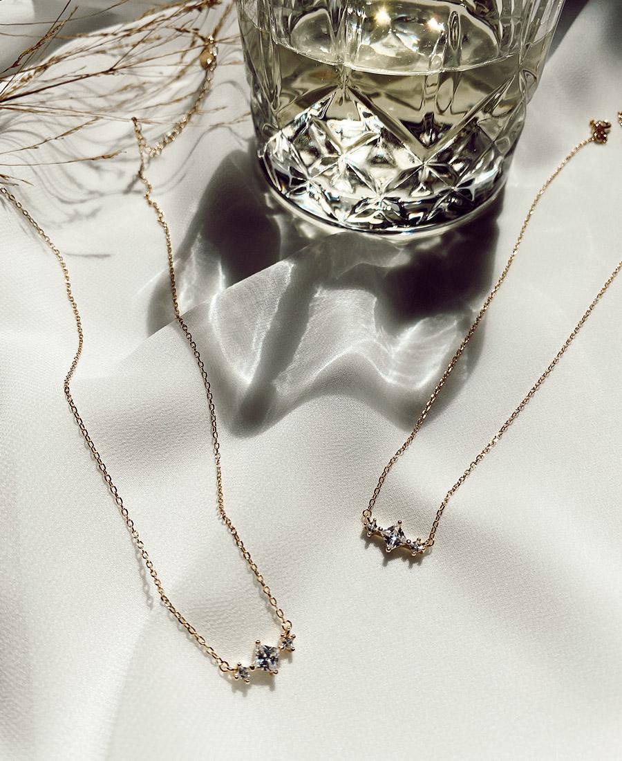 שרשרת ויקי בציפוי זהב ובשילוב זירקונים