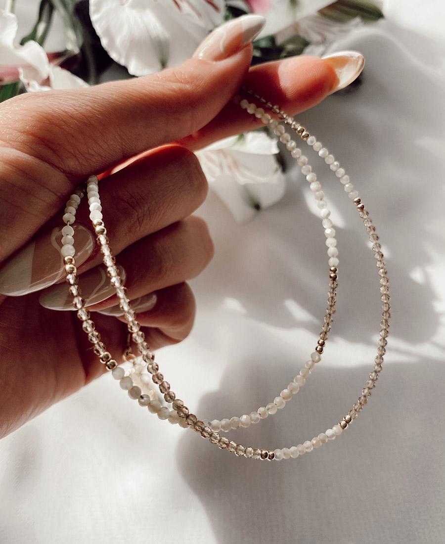 שרשרת קמליה עשויה אבני קריסטל