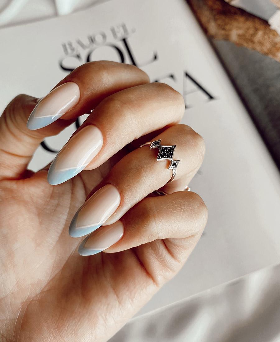 טבעת כסף בשילוב זרקונים מיני ג'יין