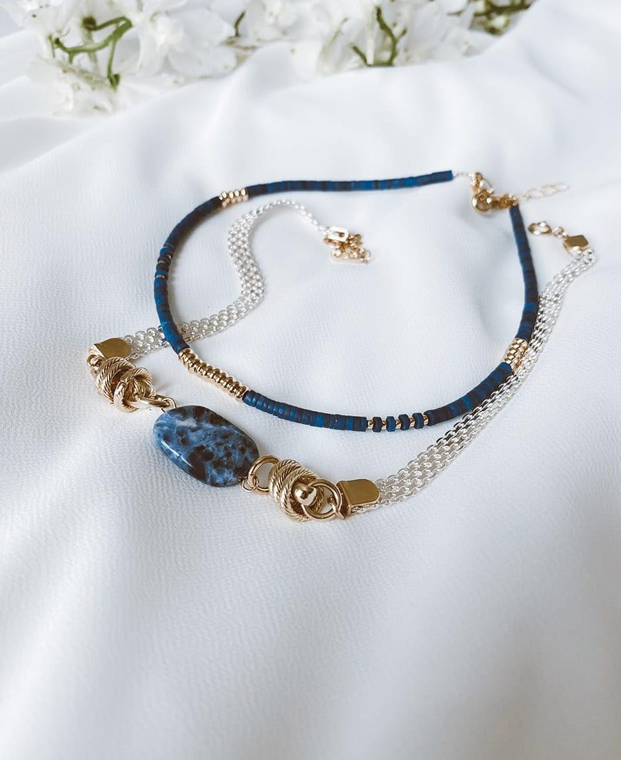 שרשרת לור מצופה זהב - מורכבת משרשרת כסף 925. אלמנטים מצופים זהב ואבן חן מרכזית בצבע כחול