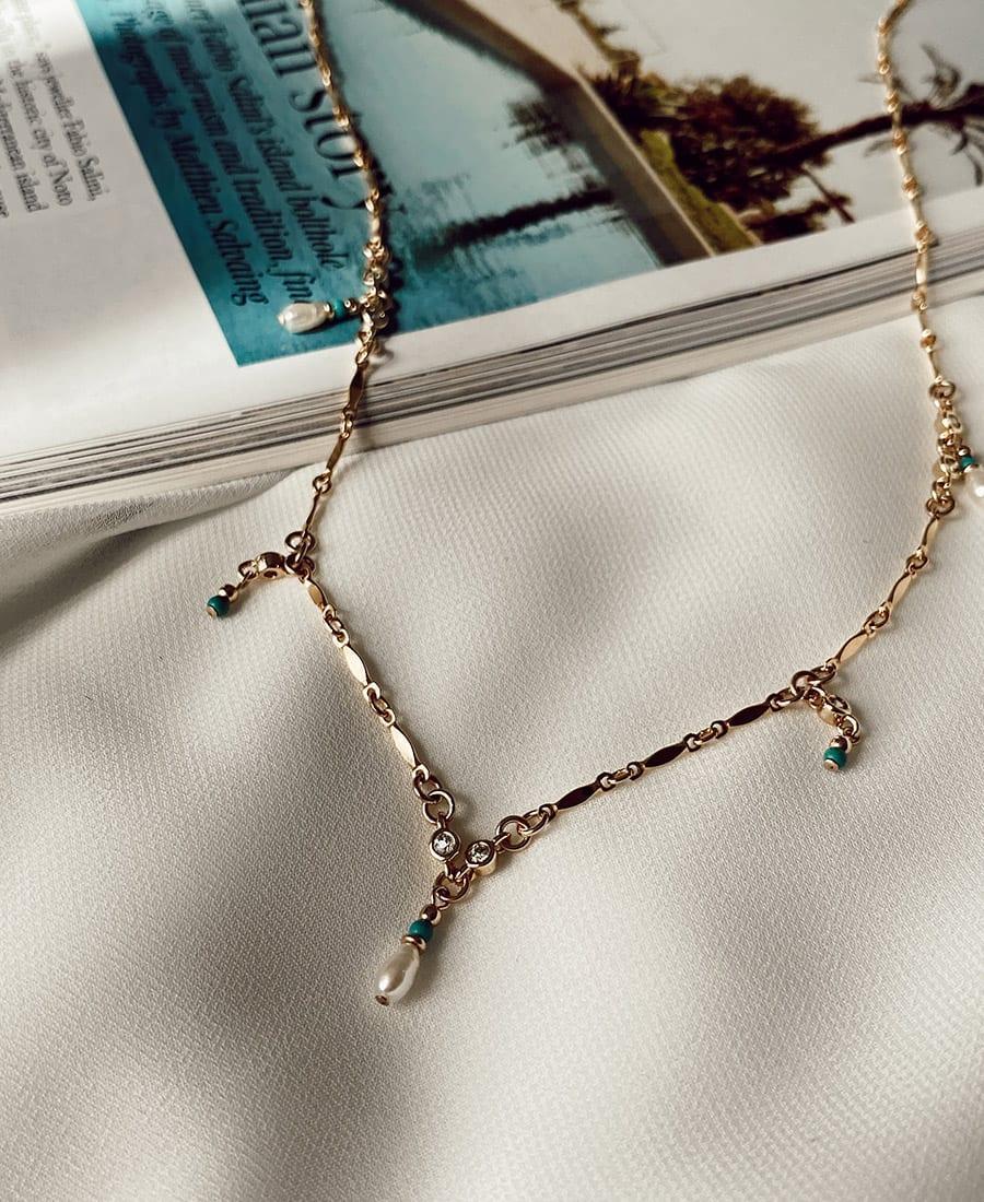 שרשרת לאגון עשויה גולדפיד בשילוב אבני חן בגווני טורקיז,