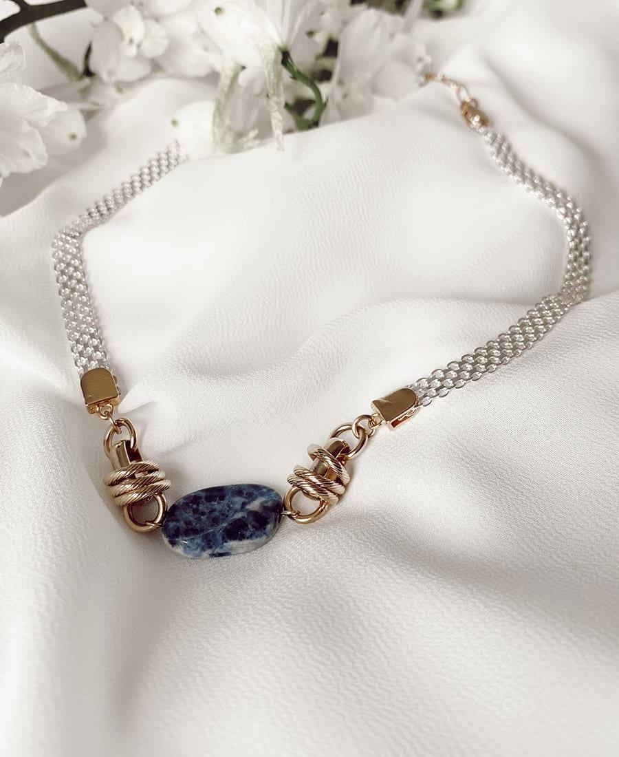 שרשרת לור מצופה זהב עם אלמנטים מצופים זהב ואבן חן מרכזית בצבע כחול