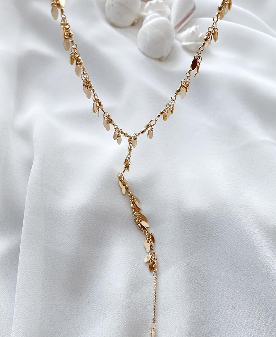 שרשרת עניבה בציפוי זהב מדגם פרי.