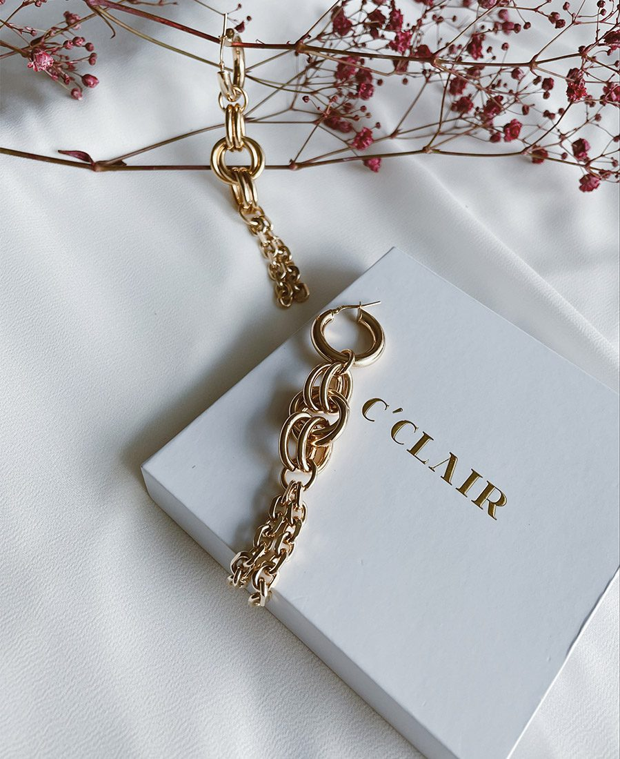"""עגילי מצופים זהב באורך 8 ס""""מ"""